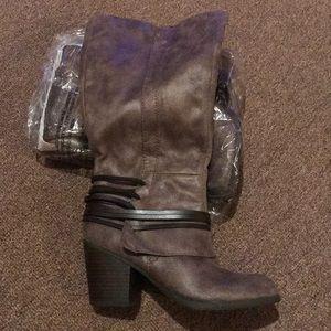 Fergalicious Round Toe Western Zip Up Boots